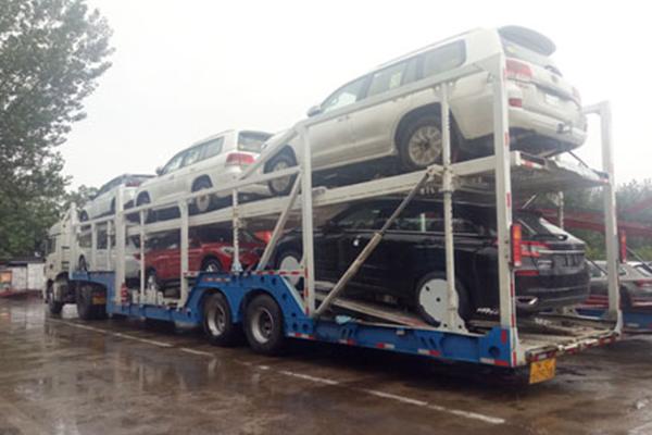 轿车托运1600公里费用多少钱,可以放行李吗?