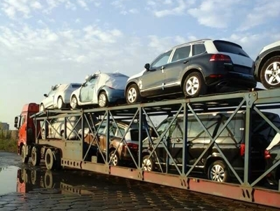轿车托运车内能否放物品?